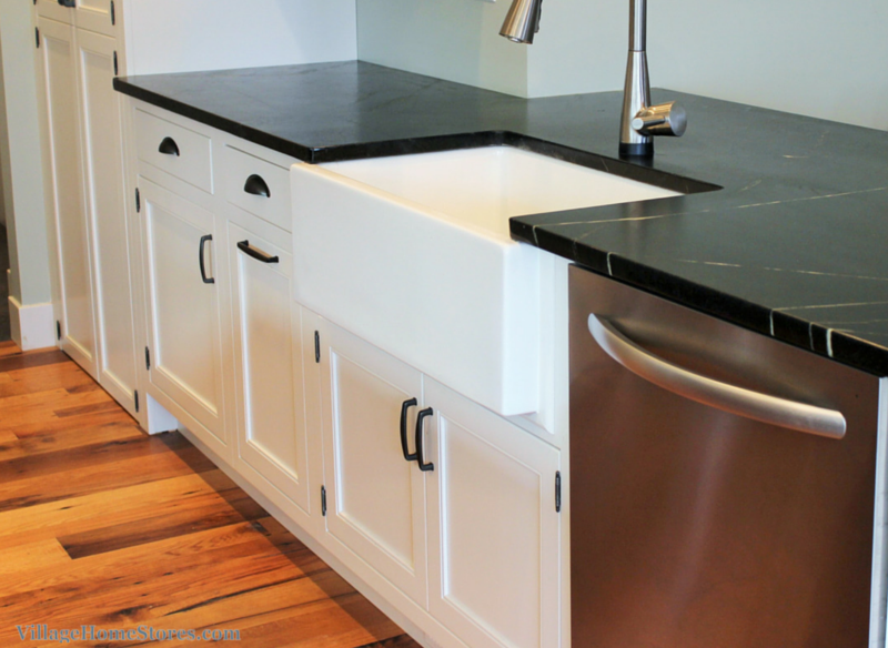 soapstone_on_white_cabinets