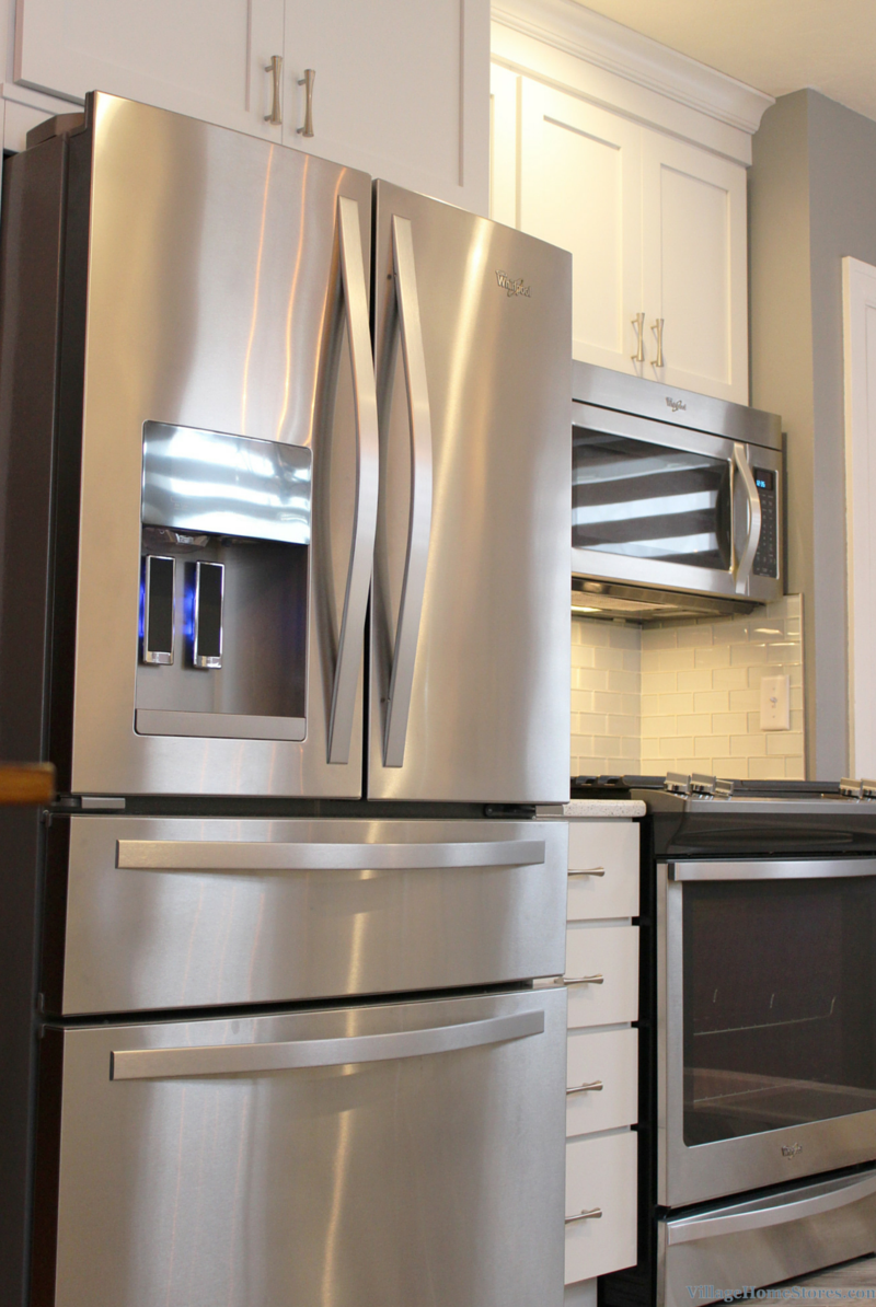 Whirlpool appliances in an East Moline, IL kitchen remodeled by Village Home Stores. | VillageHomeStores.com