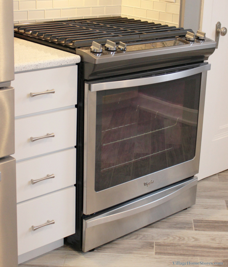 Whirlpool slide in gas range. | VillageHomeStores.com
