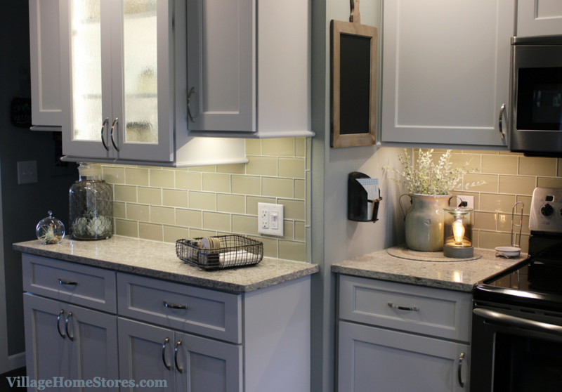 Glass subway tile in a Kewanee, IL kitchen. | VillageHomeStores.com