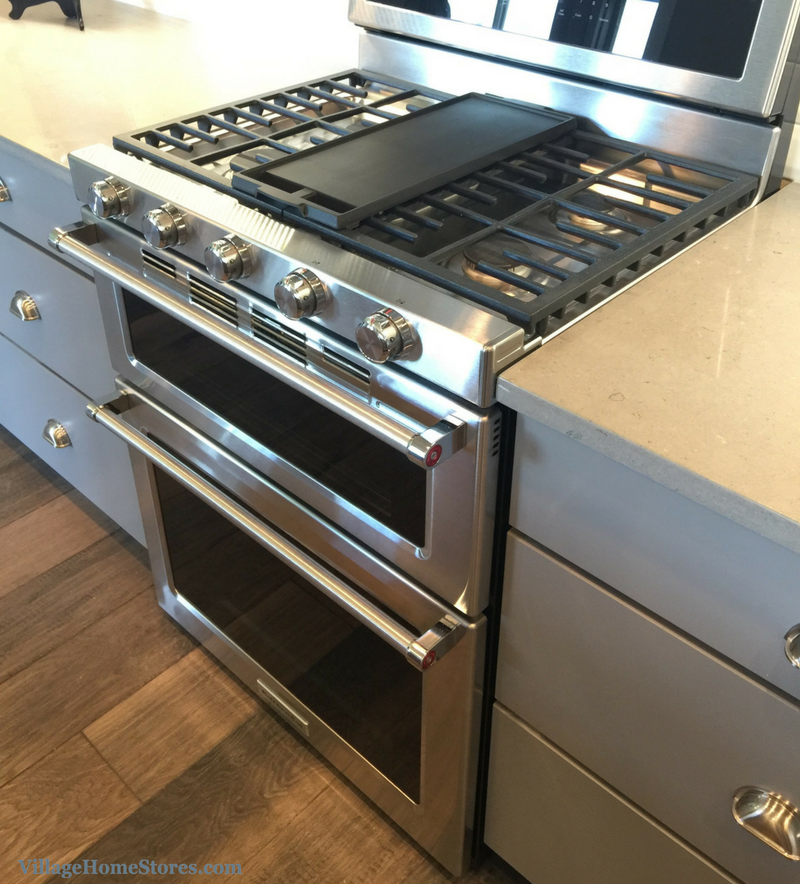 KitchenAid's double oven gas range in a Bettendorf, IA home. | VillageHomeStores.com