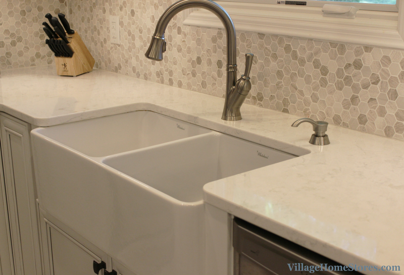 Farm sink in Bettendorf, IA kitchen. | VillageHomeStores.com