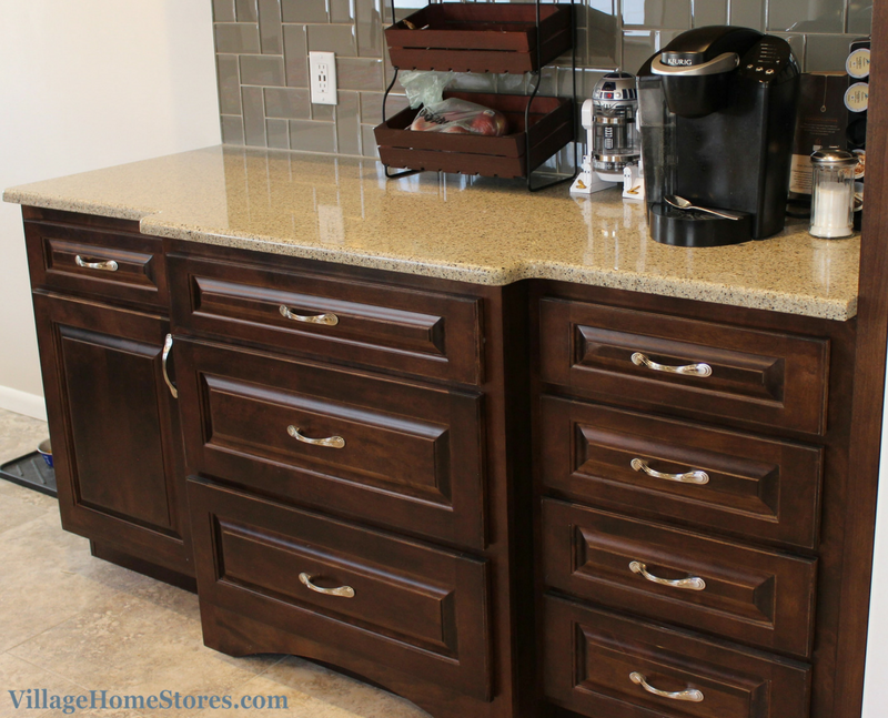 A Moline, IL kitchen remodel including Hanstone Quartz in the Victorian Sands design. | VillageHomeStores.com