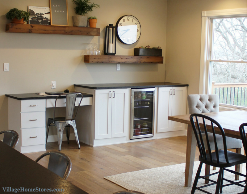A Geneseo, IL kitchen with desk and bar area. | VillageHomeStores.com