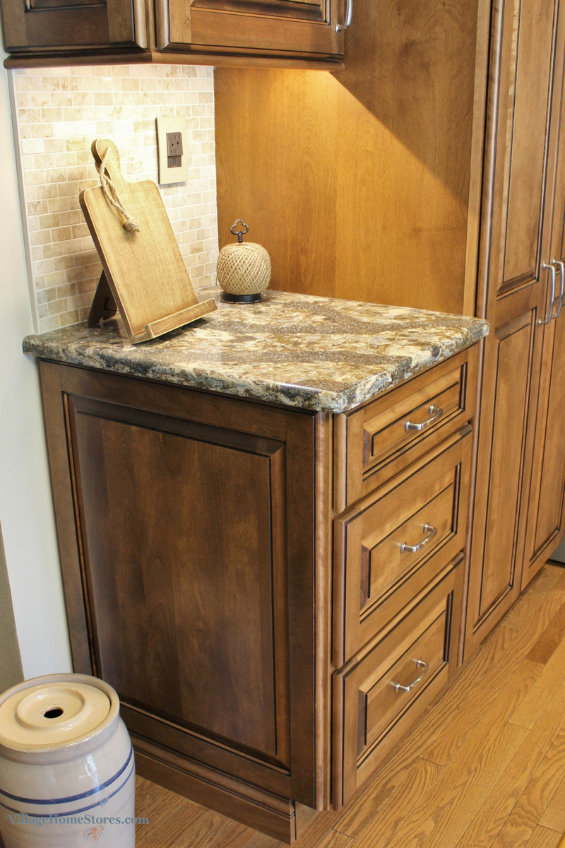 A Geneseo, IL kitchen including birch Harlech Cambria Quartz. | VillageHomeStores.com