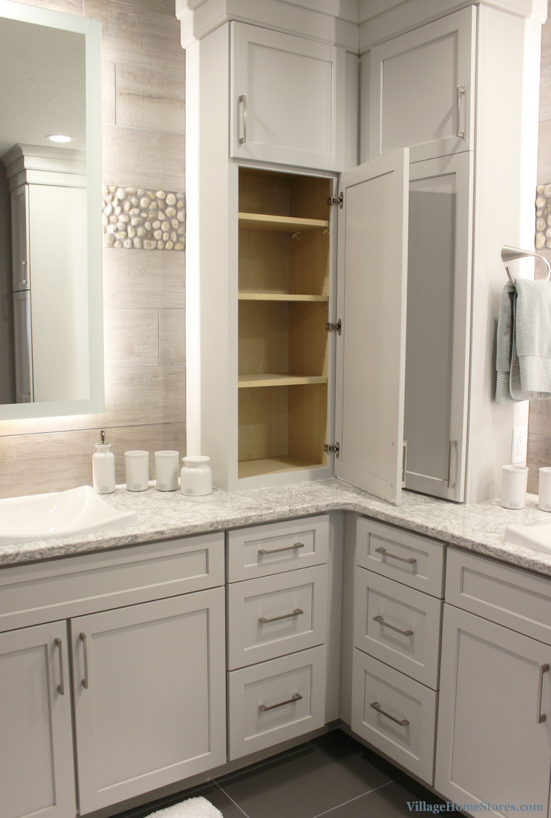 DuraSupreme cabinetry in Shaker door and painted Pearl finish. | VillageHomeStores.com