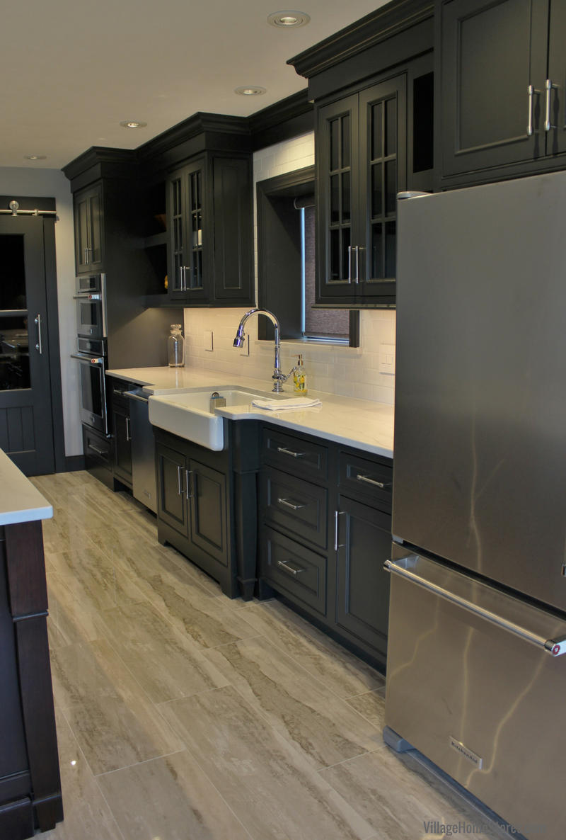 DuraSupreme cabinetry in Quad Cities area kitchen by Village Home Stores. | VillageHomeStores.com