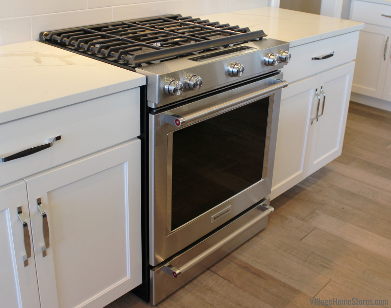 KitchenAid Stainless Steel gas range in a Bettendorf, Iowa home. | villagehomestores.com