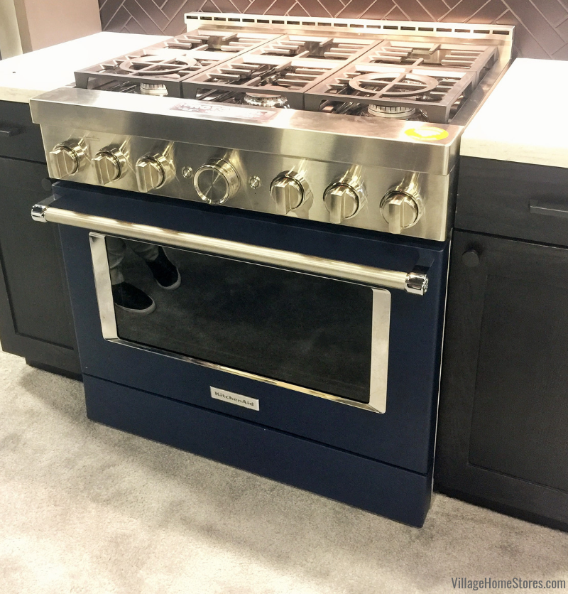 KitchenAid Commercial Range redesign with connected WiFi features shown on the expo floor at the 2019 AVB Brandsource BetterTogetherSummit in Nashville TN | villagehomestores.com