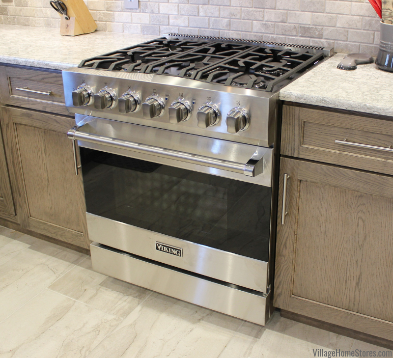 Viking gas range in a Quad Cities area kitchen. Village Home Stores is the largest Viking appliance showroom in the region. | villagehomestores.com