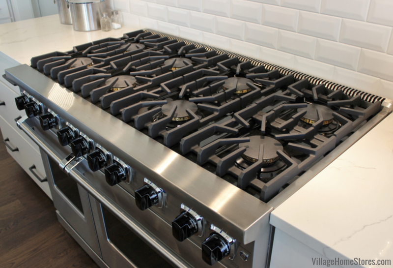 Viking 8 burner gas cooktop installed in a Bettendorf, Iowa kitchen.
