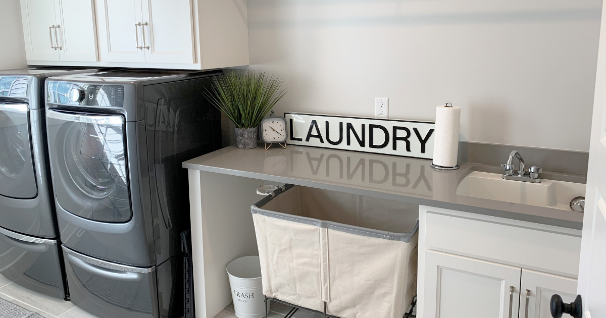 laundry room with laundry sign on counter