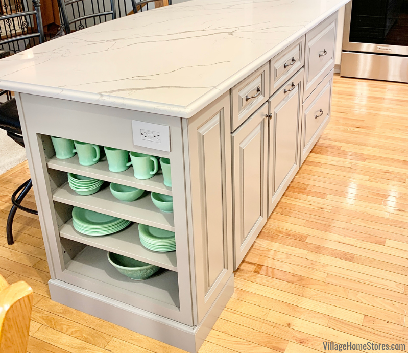 Koch cabinetry in the Easton door and Fog painted finish installed in a Geneseo, IL kitchen.